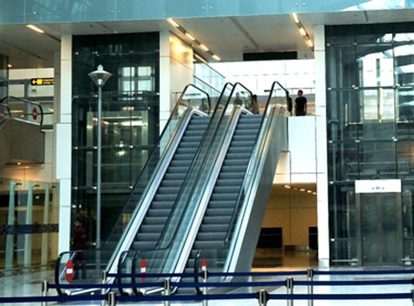 新乡市锐进电梯有限公司,蒂森克虏伯电梯销售,观光电梯销售厂家,无